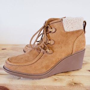 Mad Love Kenzie suede wedge booties NEW size 8